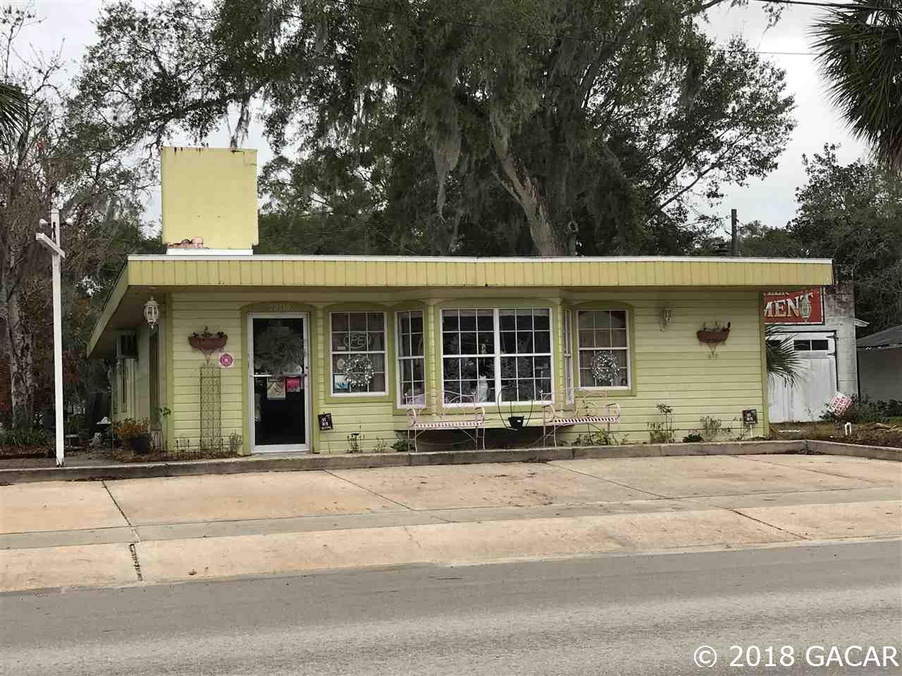 Commercial building located in Melrose, FL