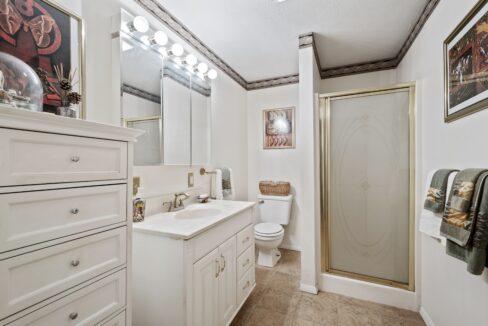 12_2033SEHighway317_8_Bathroom_HiRes